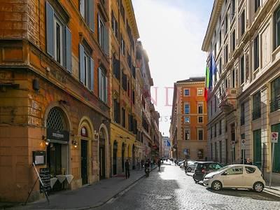 vendita-appartamento-roma-via-della-mercede