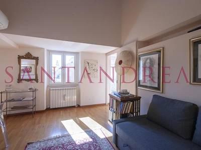 sale-apartment-roma-piazza-del-gesu