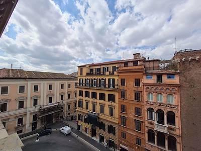 sale-office-roma-via-delle-tre-cannelle