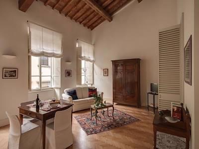 rent-apartment-firenze-piazza-san-giovanni